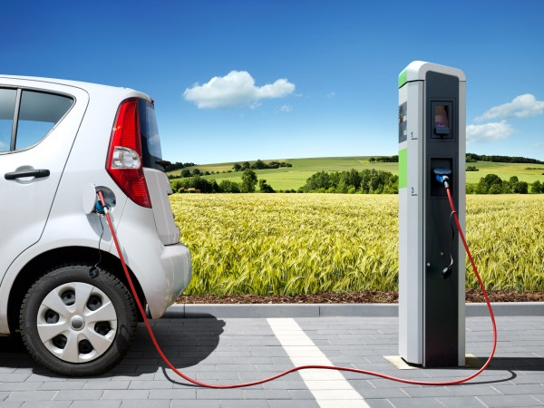 Electric-Car-Charging-600x450